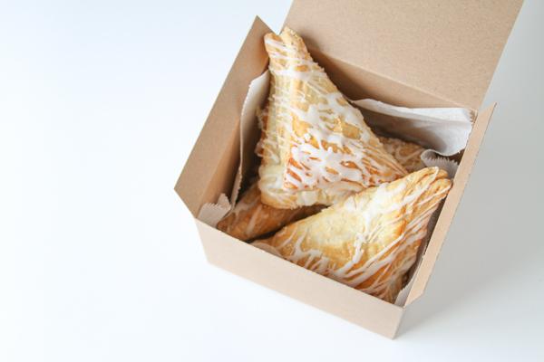 bonbonerki-dlya-pechenya-na-svadbu-6 Мастер класс: картонные бонбоньерки на свадьбу для гостей