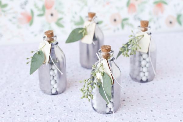 Мастер класс: бутылочки с конфетами, в подарок гостям на свадьбу.