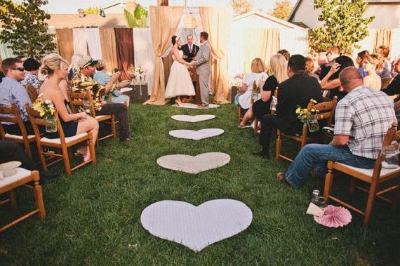 dekor-dorozhki-na-svadbu-serdechko Свадьба в стиле нежных сердечек