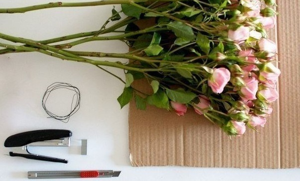 """dekor-serdtse-iz-roz-2 Мастер класс: """"Сердце из роз для декора свадьбы"""""""
