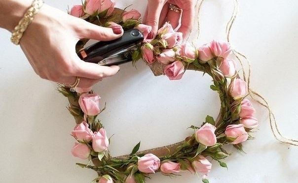 """dekor-serdtse-iz-roz-5 Мастер класс: """"Сердце из роз для декора свадьбы"""""""