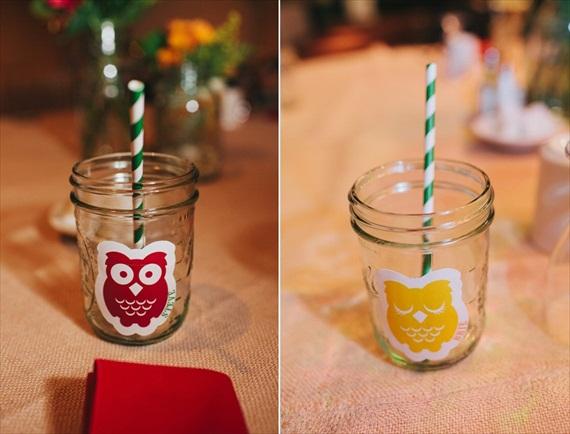Милая свадьба в стиле веселых совят: яркие цветы и маленькие совушки!