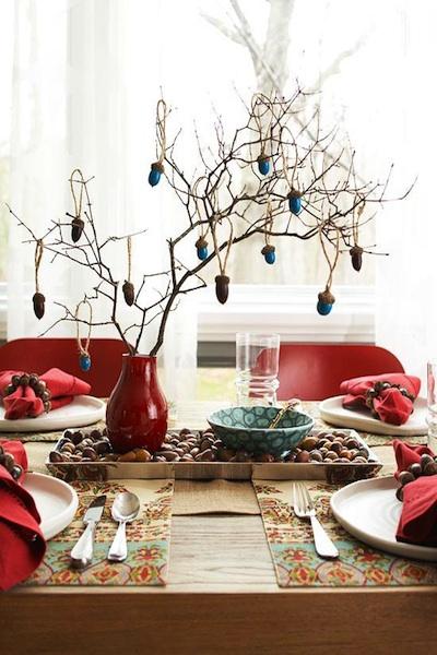 dekor-stola-zheludyami Какие есть свадебные аксессуары для украшения свадебного стола