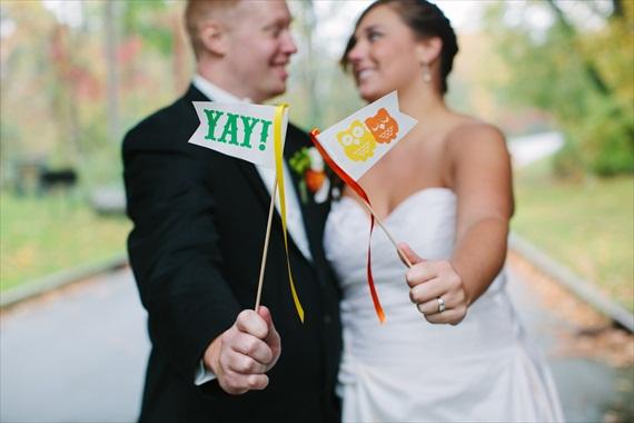 ideya-dlya-fotosessii-veselye-sovy Милая свадьба в стиле веселых совят: яркие цветы и маленькие совушки!