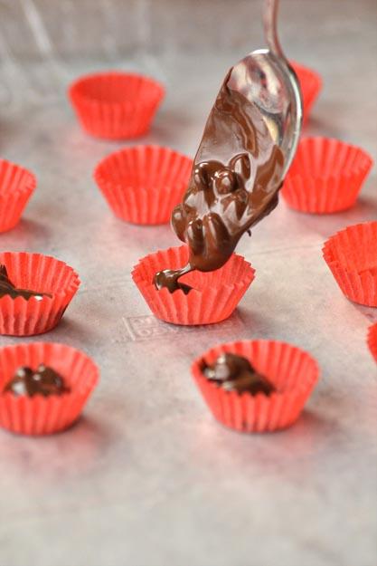kofe-v-shokolade-dlya-svadebnogo-kendi-bara-2 Мастер класс: кофе в шоколаде для свадебного Кенди Бара