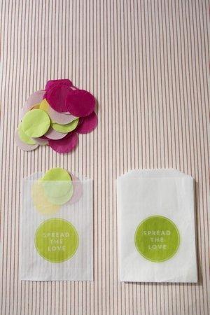 konfeti-na-svadbu-dlya-gostej-4 Мастер класс: конфетти на свадьбу для гостей, изготавливаем самостоятельно