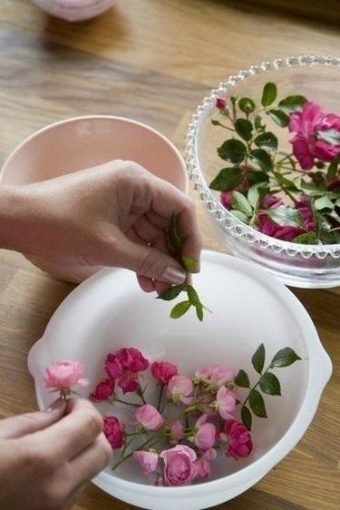 ledyanaya-vaza-dlya-dekora-zimnej-svadby-5 Ледяная ваза для декора зимней свадьбы