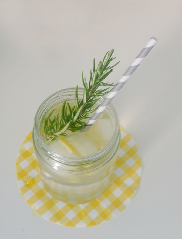 limonad3 Мастер-класс: готовим лимонад с розмарином для свадебного банкета.