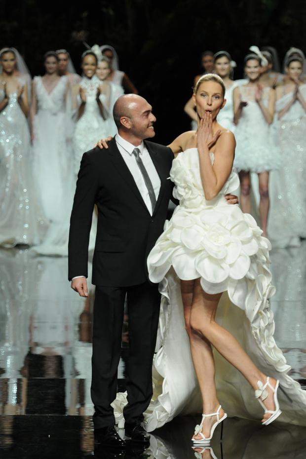 Свадебные платья от дизайнера Manuel Mota