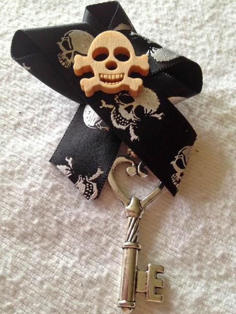 Мастер класс: пиратская бутоньерка для жениха