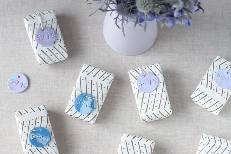 Мастер класс: этикетки из полимерной глины для свадебных бонбоньерок