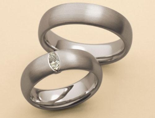 s-kamushkom Фотоподборка свадебных колец из серебра