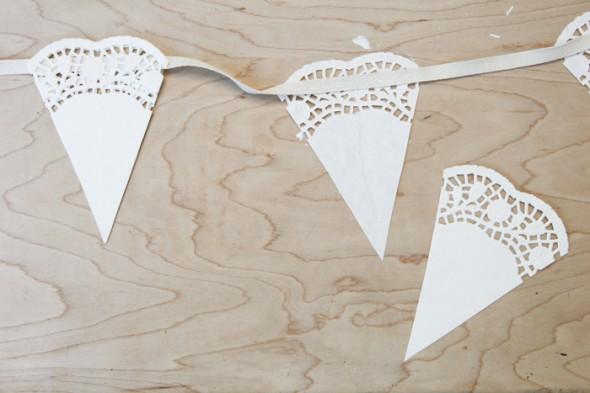 svadebnaya-girlyanda-iz-salfetok-5 Мастер класс: свадебная гирлянда из бумажных салфеток