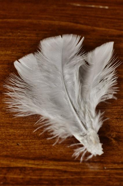svadebnyj-obodok-s-peryami-2 Мастер класс: свадебный ободок с перьями