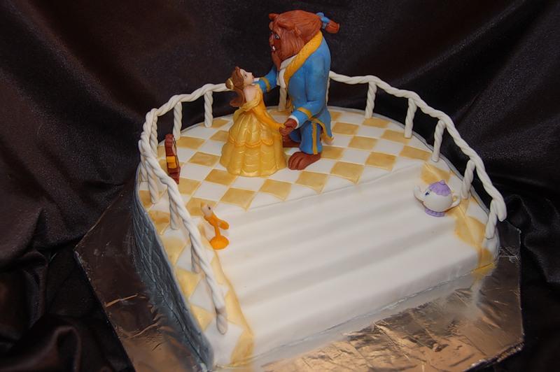 """svadebnyj-tort-krasavitsa-i-chudovishhe Свадьба в стиле сказки """"Красавица и чудовище"""""""