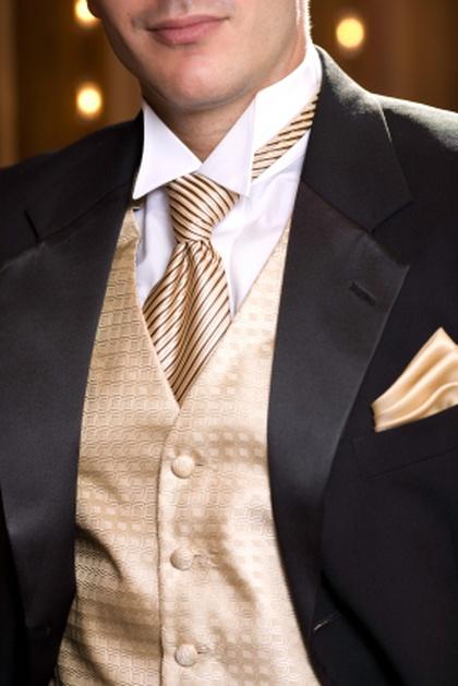 we_dwoje_1_9530 Как правильно выбрать галстук жениху: цвет, узоры и длина галстука