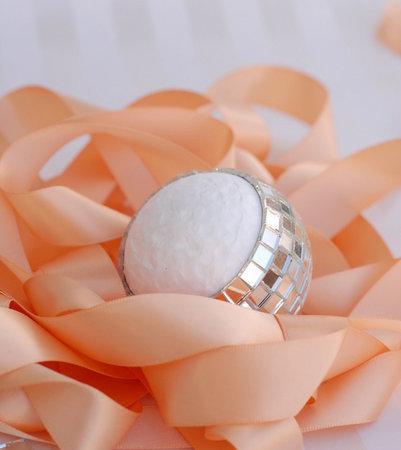 zerkalnyj-shar-dlya-dekora-svadebnyh-podarkov-5 Мастер класс: зеркальный шар для  свадьбы своими руками.