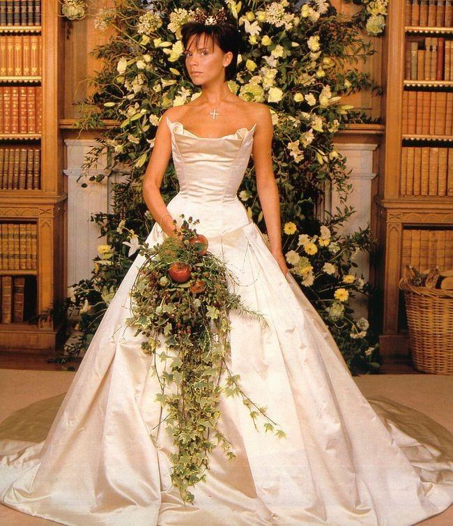 1304580813 Свадебные букеты известных невест