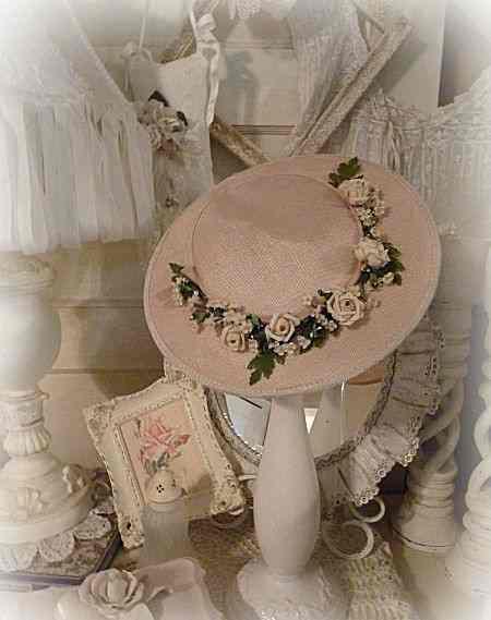 28 Оформляем свадьбу шляпами - необычная тематика для свадьбы