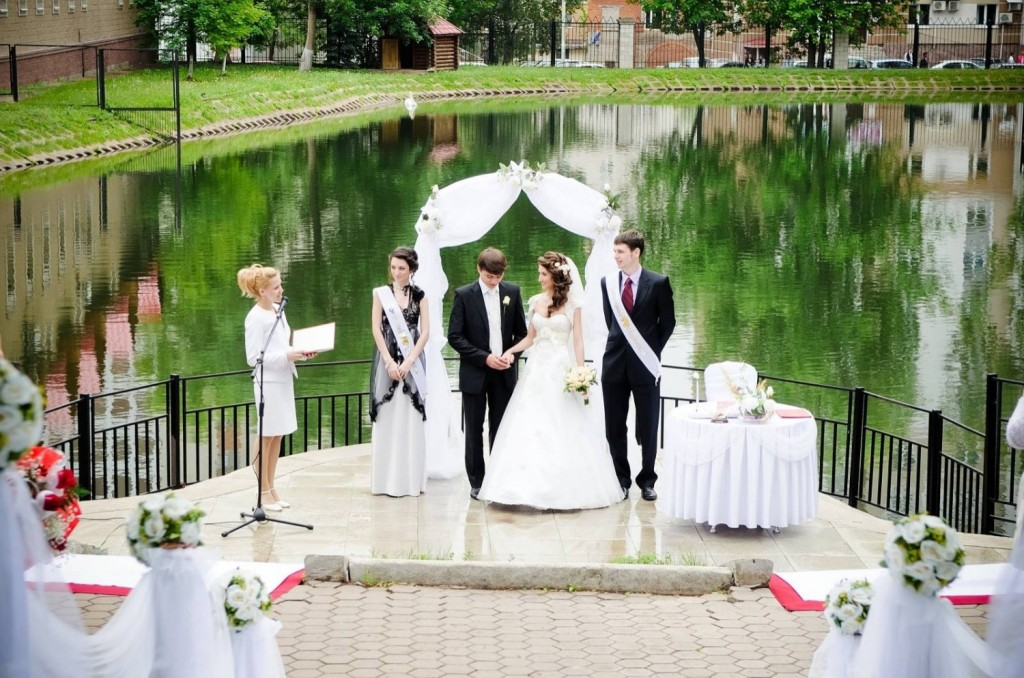 Выездная регистрация брака: полет фантазии при организации свадьбы не ограничен
