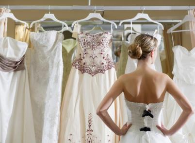 Кто должен покупать свадебное платье?