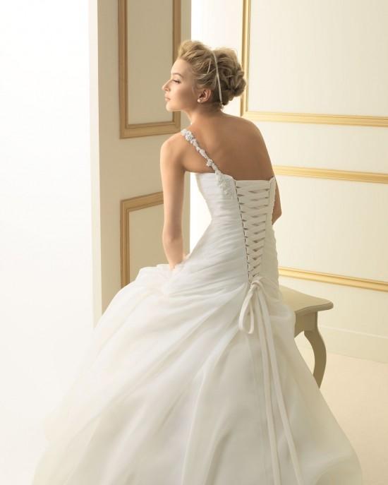 72e7ed Свадебные  платья  Luna Novias