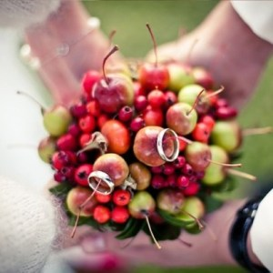 GHMWtJiw-dA-kopiya-300x300 Сочная свадьба в яблочном стиле