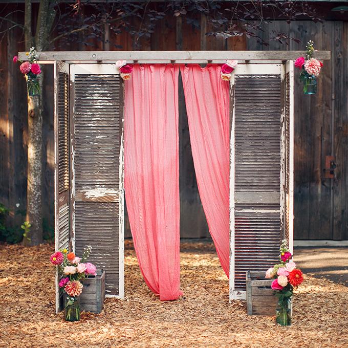 Kak-ukrasit-altar-dlya-vyezdnoj-registratsii11 14 лучших идей для оформления выездной регистрации брака