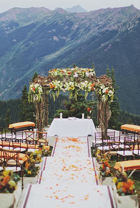Kak-ukrasit-altar-dlya-vyezdnoj-registratsii12 14 лучших идей для оформления выездной регистрации брака