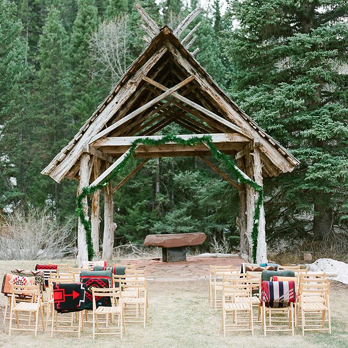 Kak-ukrasit-altar-dlya-vyezdnoj-registratsii15 14 лучших идей для оформления выездной регистрации брака