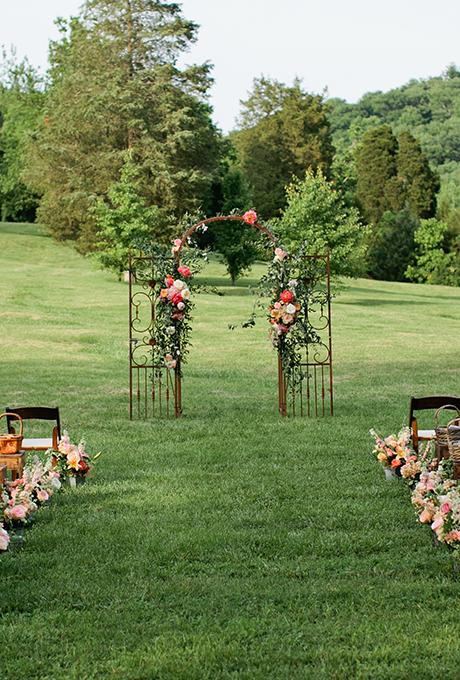 Kak-ukrasit-altar-dlya-vyezdnoj-registratsii4 14 лучших идей для оформления выездной регистрации брака