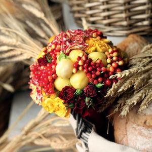 Ubkyh0XTO_8-300x300 Сочная свадьба в яблочном стиле