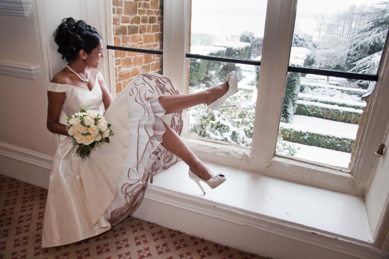 Как разносить обувь перед свадьбой