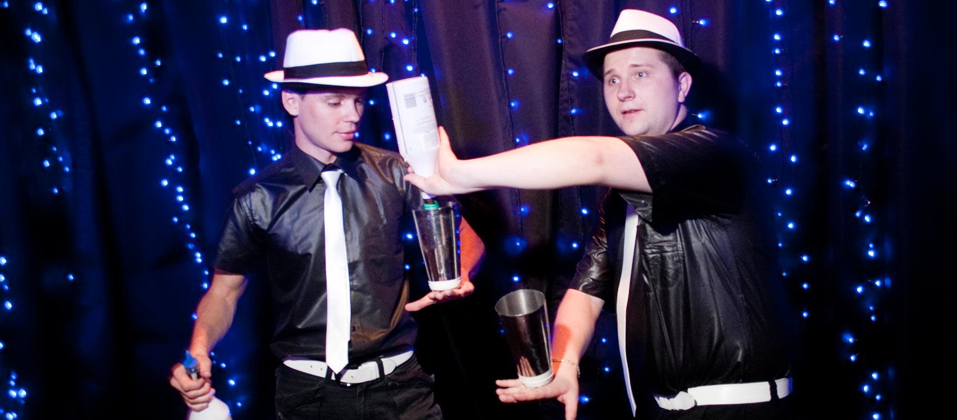 Бармен шоу, как развлечение для гостей на свадьбу