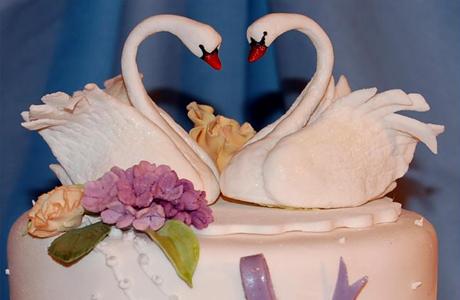 figurka-vide-lebedey Свадебные торты,сладкий и  важный момент при организации свадьбы!