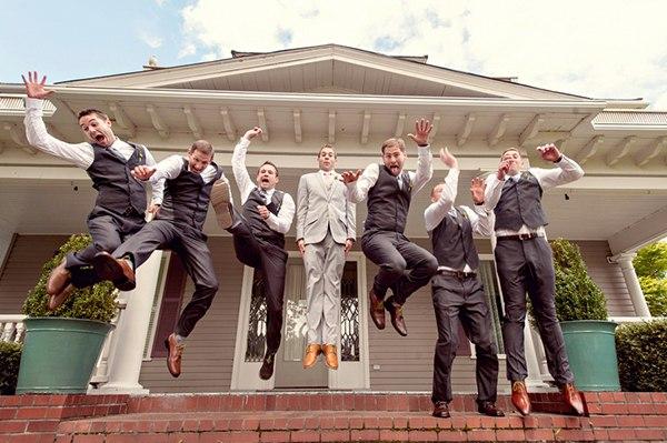 Веселая фотосессия для жениха и его друзей