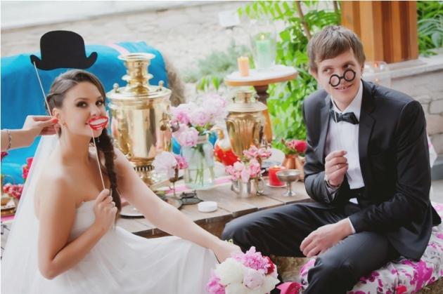 Фотозона на свадьбе, интересное развлечение для гостей