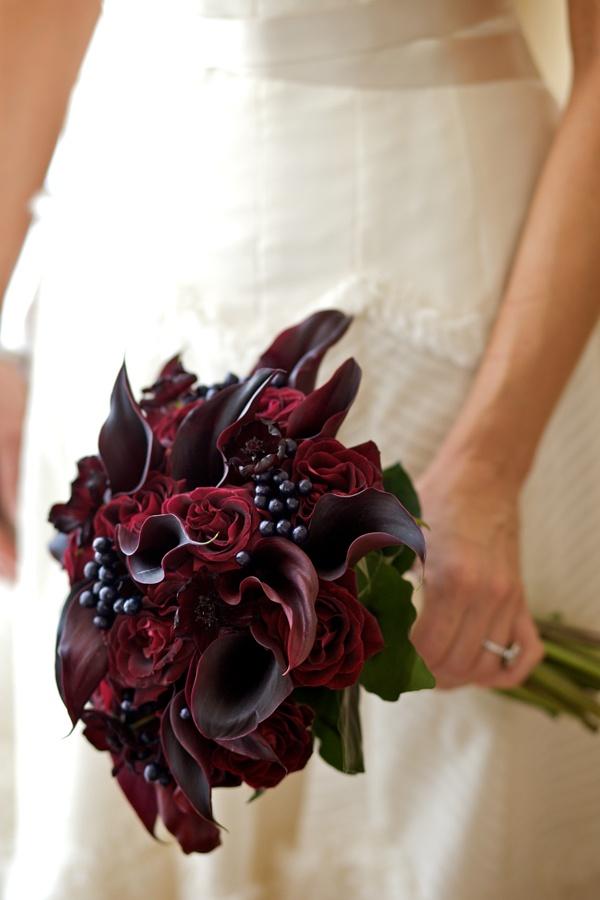 kally Букет невесты в красных тонах, какой выбрать?