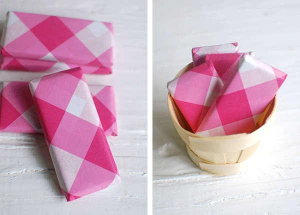 kartochki-podarki-na-svadbu-3 Мастер класс: сладкие карточки для рассадки гостей