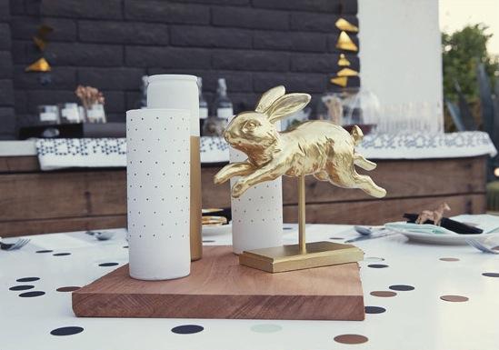 svadba-v-stile-zolotye-figurki-4 Свадебный декор - золотые фигурки, делаем самостоятельно при помощи аэрозольной краски