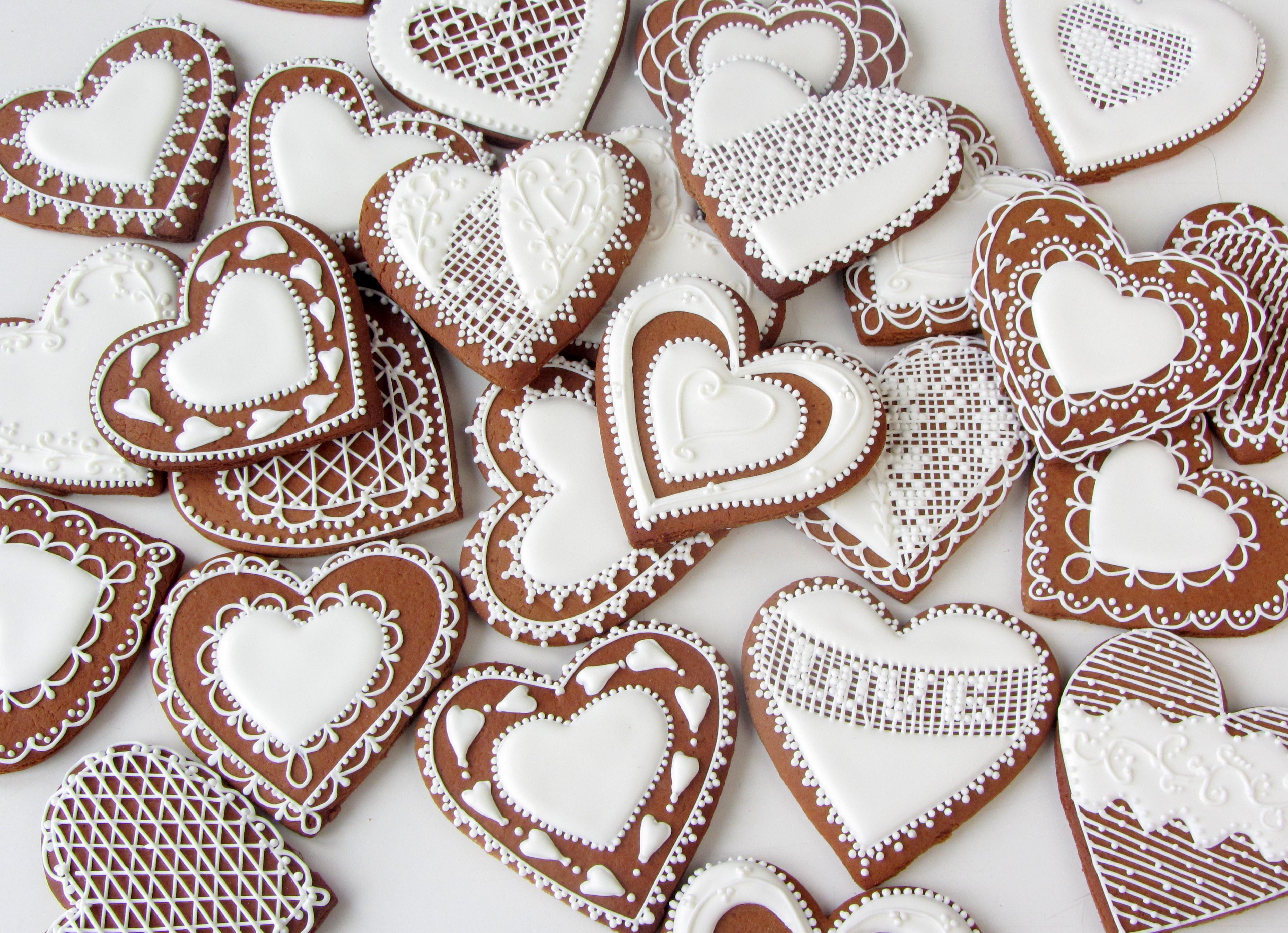 Свадебные пряники еще один из вариантов наполнения бонбоньерок на свадьбу для гостей