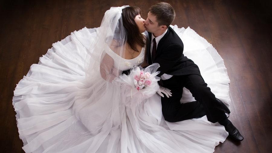Свадебный конкурс: «Две половинки»