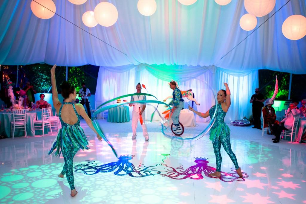 Цирковая программа в качестве свадебного развлечения на свадьбу