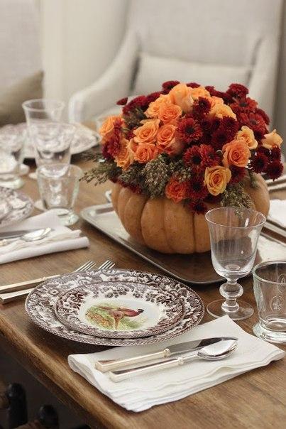 vaza-na-svadbu-iz-tykvy-4 Декор для осенней свадьбы: ваза с яркими цветами из тыквы