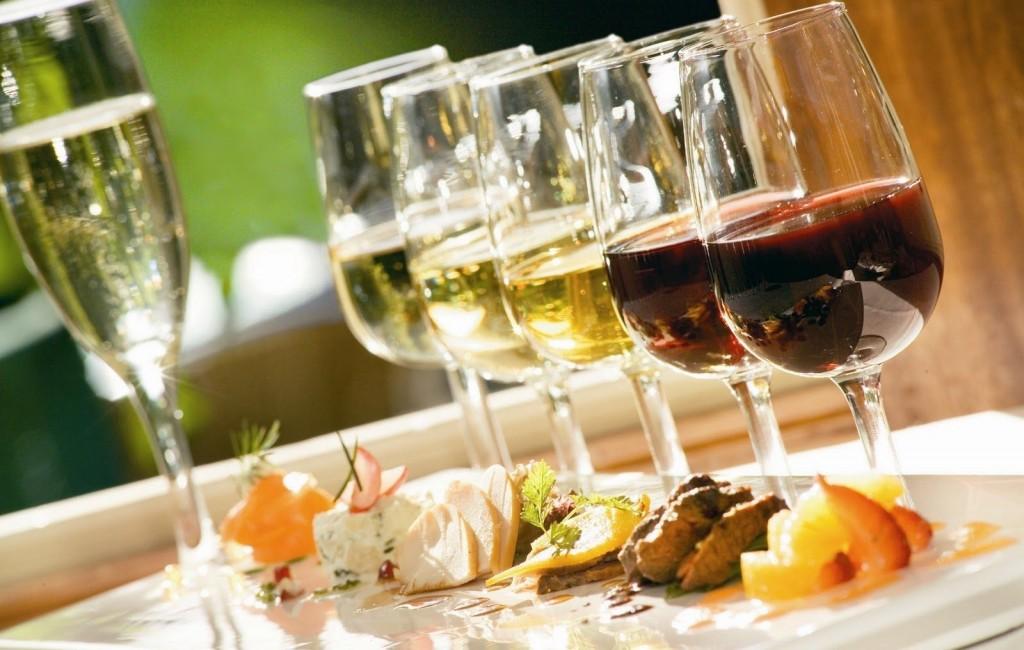 Девичник на кухне – дегустация алкогольных напитков