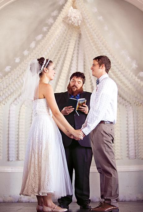 Neobychnye-idei-dekora10 Необычные идеи декора для свадебного алтаря