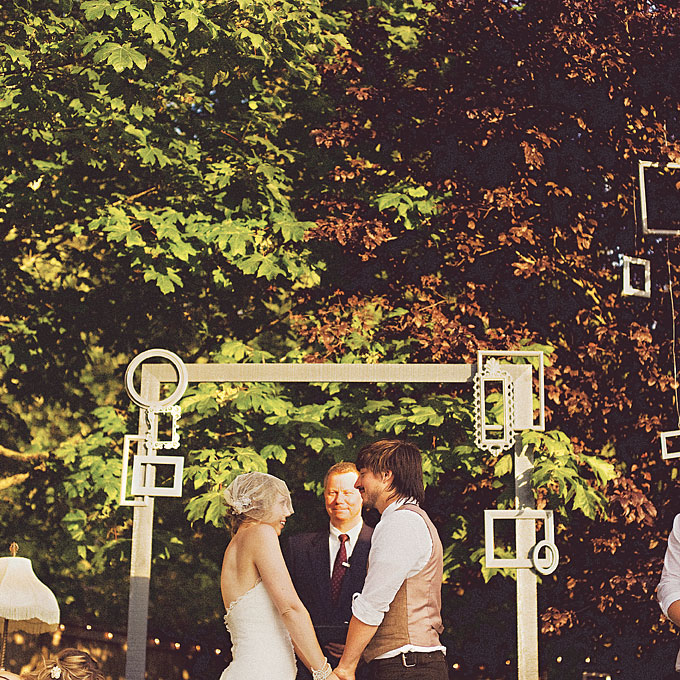 Neobychnye-idei-dekora11 Необычные идеи декора для свадебного алтаря