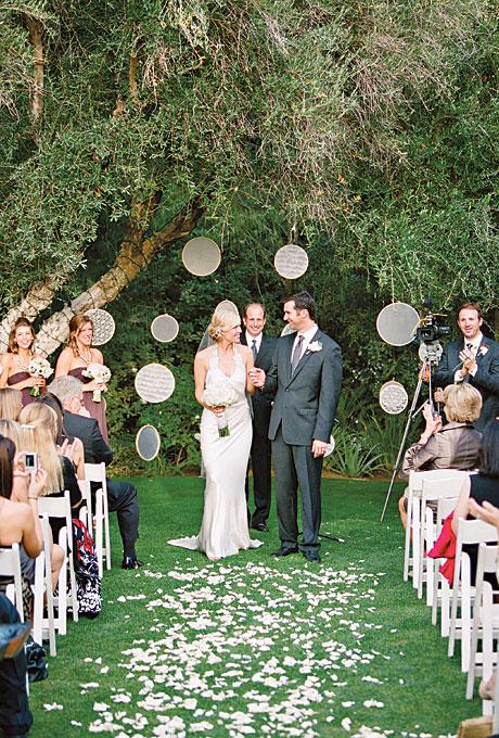 Neobychnye-idei-dekora2 Необычные идеи декора для свадебного алтаря