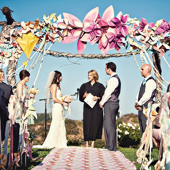 Neobychnye-idei-dekora7 Необычные идеи декора для свадебного алтаря