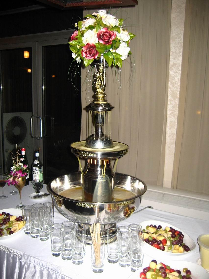 champ Фонтан из шампанского на свадебном торжестве
